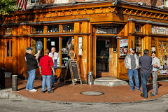 Max's Corner (Tim Pohlhaus) Tags: maxs taphouse broadway fells point baltimore maryland beer street