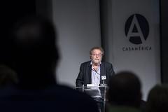 John Carlin, periodista y escritor (Casa de América) Tags: johncarlin populismoycorazóntrumpymandela eeuu periodismo sociedad mandela trump españa madrid casadeamérica casamerica conferencias