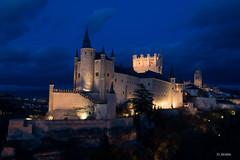 Alcazar Segovia  hora azul (juanjo_jarabo) Tags: segovia hora azul horaazul nocturna alcazar panoramica