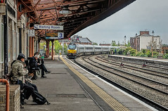 Leaving Leamington (whosoever2) Tags: england unitedkingdom uk gb greatbritain sony dscrx100m3 april 2017 railway railroad train leamington spa station drs class68 68012 chiltern railways birmingham london
