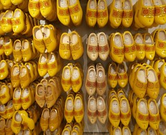 Wooden shoes in yellow, Monnikendam, The Netherlands (hjreitsma) Tags: wood wooden shoes yellow clogs traditional