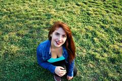 DSC_0339 copia1 (daniel_soprole) Tags: exterior exteriores mujer mujeres modelo shooting verde green plaza redhead pelirroja