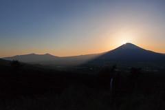 P4190045-3 (vincentvds2) Tags: ashigara fuji mountfuji mtfuji fujisan sunset