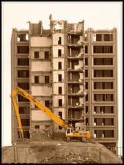 Good Riddance !! (Flyingpast) Tags: city urban building architecture demolish scotland dundee destruction scottish demolition ugly 1970s development tayside citycentre rubble taysidehouse safedem highreachdemolition wb2000 tl350
