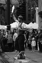 Knife Juggler! (Krystal.Foster) Tags: oregon portland streetphotography streetperformer saturdaymarket knifejuggling