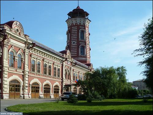Старые здания города: гостиница