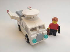 Carship Kombi-prise (-jamesn-) Tags: vw trek star lego pimp camper kombi redshirt my