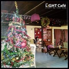 ใกล้ถึงวันChristmas และปีใหม่แล้วนะครับทุกๆคน...เตรียมพบกิจกรรมดนตรีสนุกๆและความหมายดีๆในวันคริสตมาสได้ที่ THE LIGHT Café นะครับ