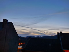 P1020433trav (pascalpiette) Tags: leica city red cloud sol clouds sunrise lumix soleil belgium belgique alba cities down du jour panasonic amanecer aurora wee hours raymond pascal towns huy octave heure lever bleue aurore aube piette dmcfz72 18012014