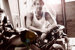 The Mechanic (Bernie Led) Tags: portrait bike self big garage bernie mechanic selfie z1000 ledesma