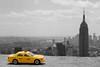 NYC Cab - Top of the rock (@lrdesign) Tags: new york city nyc white ny black yellow blackwhite cab yellowcab rockefellercenter empire empirestatebuilding empirestate topoftherock