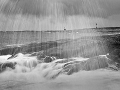Great swell mono (Fjllkantsbon) Tags: lighthouse norway mono norge wave splash swell backwash fyr titran vgor plask vg frja froja dyningar evamartensson