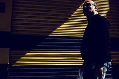 (DANG3Rphotos) Tags: nikon d7100 nikonista dang3rphotos dang3r creative look vision style creativo imagen photo 2015 shot camera inspiration ver like this photos foto fotografia love art artist life light valencia street lines men man hombre humano amarilo blue yellow