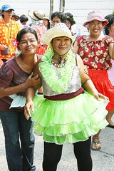 ladies accompanying a new monk (the foreign photographer - ฝรั่งถ่) Tags: ladies outlandish outfits new monk procession hats brightly colored colorful soi phahoyolthin 63 bangkhen bangkok thailand canon kiss