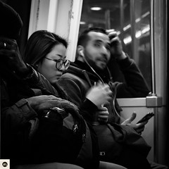 60sa140317 (photo & life) Tags: paris france europe ville city blackandwhite noiretblanc humanistphotography métro subway street streetphotography jfl photography photolife™ fujifilm fujinon fujifilmxpro2 fujinonxf56mmf12rapd 56mm squareformat squarephotography