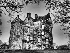 Kellie Castle. (Flyingpast) Tags: castle fife scotland scottish historic building architecture stately nationaltrust bw blackandwhite mono monochrome atmosphere texture kelliecastle