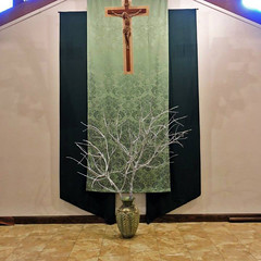 Liturgical Environment (ovolo_interiors) Tags: liturgicalenvironment liturgicalyear worshipspace prayerroom placeofprayer ordinarytime autumndecor church banners cross