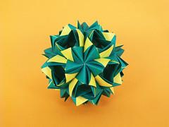 Ipheion (masha_losk) Tags: kusudama кусудама origamiwork origamiart foliage origami paper paperfolding modularorigami unitorigami модульноеоригами оригами бумага folded symmetry design handmade art