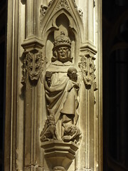 King with Yale & Lion (Aidan McRae Thomson) Tags: worcester cathedral worcestershire medieval sculpture carving statue