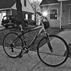 083/365 (local paparazzi (isthmusportrait.com)) Tags: 365project canon5dmarkii 28mmf18usm ef eos lopaps pod 2017 iso6400 noise grain black white blackandwhite blancoynegro madisonwi danecountywisconsin bike bicycle lowlight longexposure light starburst flare glare night prime aperture canon 28mm f18 usm redskyrocketman localpaparazzi isthmusportrait giant giantbike hybridbike