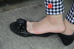 Candid feet from China (341) (Candid 100%) Tags: asian candid feet nylon pantyhose chinese china shoeplay dangling dipping toes soles foot shoes ballet flats high heels pumps sandals külotlu çorap ayak füsse strumpfhose калготкі чорапогащник pantis punčocháče strømpebukser sukkpüksid sukkahousut collants media calza καλσόν harisnyanadrág パンティーストッキング 팬티 스타킹 zeķbikses pėdkelnės جوراب شلواری rajstopy meiacalça ciorapi колготки унихоп pančucháče hlačne nogavice strumpbyxor קאָלגאָטקעס broekiekס