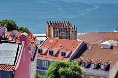 Lisbonne - 249 - Miradouro do Castelo de São Jorge, Sé de Lisboa (paspog) Tags: lisbonne lisbon lisboa portugal miradouro miradourodocastelodesãojorge castelodesãojorge cathédrale cathedral sédelisboa katedral