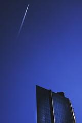 IMGP0727 (maurizio siani) Tags: aereo scia blu blue cielo sky azzurro infinito napoli naples italia italy centro direzionale mattina giorno giornata napoletano napoletani pentax k70 18135mm dicembre december inverno 2016 grattacielo skyscraper building edifici edificio palazzo palazzi zona orientale città city esterno esterni alto altezza altitudine specchio specchiato vetro vetrata vetrate riflesso glass finestra finestre ufficio uffici office basso vista vedere veduta sommità chiusura chiuso freddezza moderno modernità struttura ferro cemento urbanistica urbanizzazione