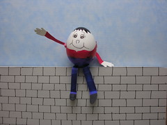 Humpty Dumpty on a wall   DSCN1765 (EARLIE BYRD) Tags: humpty dumpty wall