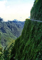Bolivia, Las Yungas Death Road - deep down and up (gerard eder) Tags: landscape landschaft paisajes world travel reise viajes yungas lasyungas america southamerica südamerika sudamérica sudamerica bolivia coroico deathroad adventure street road extreme dangerousroad