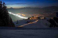 Latenight skiing #ski #skiing #snow #longexpo #kitzbühel (thomassatzinger) Tags: ski longexpo kitzbühel snow skiing