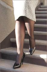 2017 - 03 - 26 - Karoll  - 013 (Karoll le bihan) Tags: escarpins shoes stilettos heels chaussures pumps schuhe stöckelschuh pantyhose highheel collants bas strumpfhosen