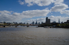 RJB_5842 (Snoop Baggie Bag) Tags: 2017 london londonskyline stpaulscathedral theshard
