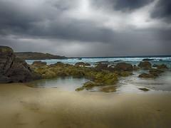 La playa (la_magia) Tags: playaasturias playadeasturias serantes nubes mar cantabrico arena rocas dianublado acantilados paisaje naturaleza agua asturias españa