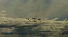 (bastosphotography) Tags: formation clouds sky smoke plane air airplane airport maneuver esquadrilha fumaça aero aerorock skipstewart