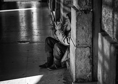 (Roberto Spagnoli) Tags: homeless people biancoenero blackandwhite fotografiadistrada streetphotography 50mmcanon geometry solitude poverty explore
