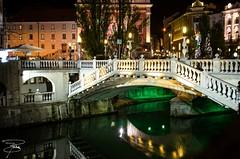 Lubiana ... by night (giannizigante) Tags: gianni slovenia lubiana tromostovje ljubljanica