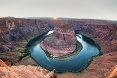 Sun is going down at Horseshoe Bend (redEOS92) Tags: canon arizona page horseshoe bend sun sky sunset colorful nature landscape scenery mountains canyon rock sand red colorado river