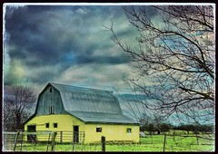 That yellow barn... (Sherrianne100) Tags: farm rural rustic oldbarn yellowbarn barn ozarks missouri