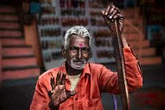 Jaipur (Roberto Farina Travel Photography) Tags: man india portrait jaipur asia hands