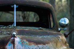 Just an old rusty car.... (Kevin Povenz Thanks for the 3,000,000 views) Tags: 2017 april kevinpovenz old rust rusty car auto automobile hood window windshield canon7dmarkii sigma70mmmacro blue evening focus