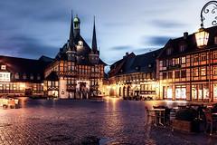 Marktplatz und Rathaus - Wernigerode (Gruenewiese86) Tags: deutschland harz wald wernigerode rathaus marktplatz bunte stadt fachwerk night nacht beleuchtung lichter