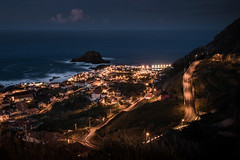 Madeira - Porto Moniz (Rafael Zenon Wagner) Tags: nikon d810 tamron 15mm30mm portugal madeia tal nacht night ozean ocean atlantik wasser serpentine licht schatten dorf strasse valley light shadow village street wolke cloud