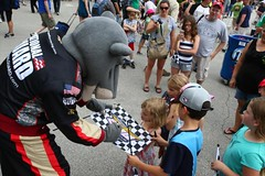 "Panther Racing ""Clutch Cat"" with fans at IMS (indianapolismotorspeedway.com) Tags: camera speed canon mark length mode rating eos1d 241 5focal iiiexposure 1200fnumber 101iso 320metering"