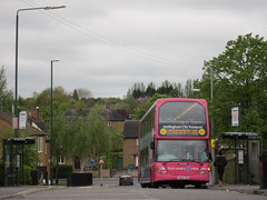 Birchover Road, Bilborough, Nottingham (Lady Wulfrun) Tags: nottingham pink bus busstop route service 28 nottinghamshire iridium 1 nottinghamcitytransport 751 bilborough yn06tgo birchoverroad