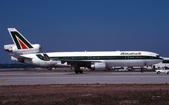 I-DUPO_MD-11_KLAX_116 (Mike Head - Jetwashphotos) Tags: travel autumn sun sunlight fall sunshine losangeles ramp taxi sunny az socal transportation lax southerncalifornia westcoast october1999 alitalia md11 goldenstate businesstravel mcdonnelldouglas aza losangelesinternationalairport oct99 californiastate mcdonnelldouglasmd11 clax touristtravel italiancarrier