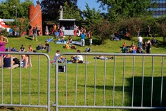 Linzfest 2013 -Tag 1 (austrianpsycho) Tags: people linz leute zaun absperrung gitter absperrgitter 2013 linzfest 18052013 linzfest2013