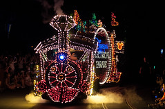 Train (wdwphotoclub) Tags: street night florida main parade electrical magickingdom msep