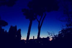 Stop And Stare. (#odie.the.thiiird) Tags: blue sky urban italy rome roma canon photography triangle europa europe italia fotografie photographie venus mercury colosseum piazza jupiter venezia pinoy campidoglio fotografa banzon fotoraflk    tumblr instagram odieson  odiethethiiird