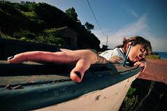 ...las nias bonitas no pagan dinero... (la.churri) Tags: color digital mar mujer nikon barco retrato asturias carol musa reflector tatuajes actitud d90 tokina1224mm 2013 bl3ssed
