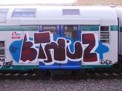 Immagine 135 (en-ri) Tags: train writing out torino graffiti crew zenit rosso azzurro ekez etniz